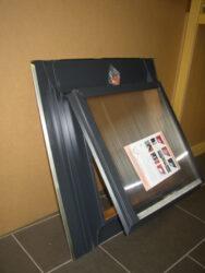 Vylézák hliníkový modro šedý (antracit) 60 x 60 cm, s polykarbonátem (RAL7016)
