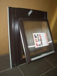 Vylézák pozinkovaný hnědý tmavý 60 x 60 cm, polykarbonátem (RAL8028TM)